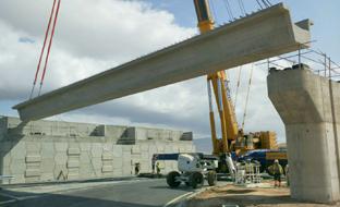 Un momento de la construcción de la nueva variante de Roquetas, que entra en servicio en toda su extensión a mediados de noviembre.