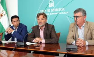 El consejero de Medio Ambiente informó sobre el programa Puertas Verdes.
