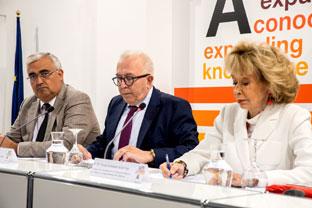 Ramírez de Arellano asistió a la presentación de los cursos de la UNIA en Sevilla.