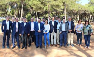 Rodrigo Sánchez Haro, en Posadas, con los representantes de los grupos de desarrollo rural de la provincia de Córdoba.