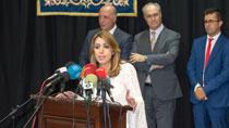 Díaz señala que los Presupuestos para 2018 garantizarán los recursos para servicios públicos