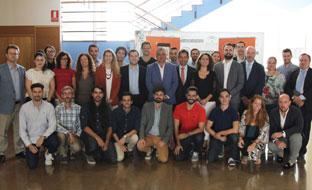 Carnero y Fernández, con los participantes en el Proyecto Minerva.