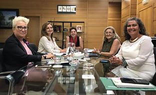 La consejera de Salud, con los representantes de Al-Ándalus.