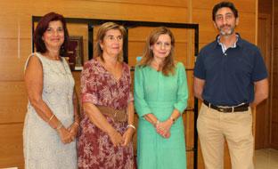 Marina Álvarez con responsables de la Sociedad Andaluza de Medicina Familiar y Comunitaria.