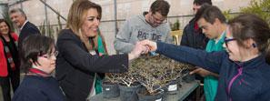 La presidenta andaluza reclama el compromiso empresarial para lograr una sociedad inclusiva plena