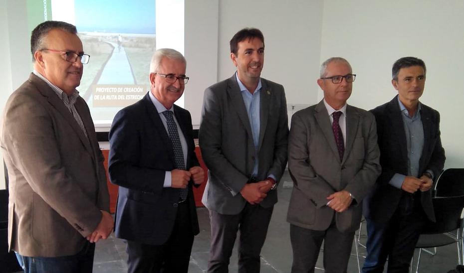 Jiménez Barrios destaca la importancia ambiental del proyecto cicloturista Ruta del Estrecho