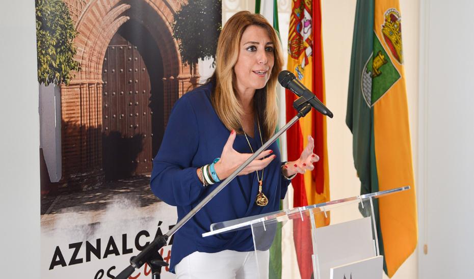 Susana Díaz anuncia la contratación de 1.306 profesionales en centros de salud
