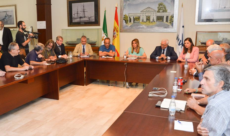 Susana Díaz ha trasladado el apoyo del Gobierno andaluz a los proyectos de innovación de los astilleros de Navantia, con una inyección económica de 5 millones.