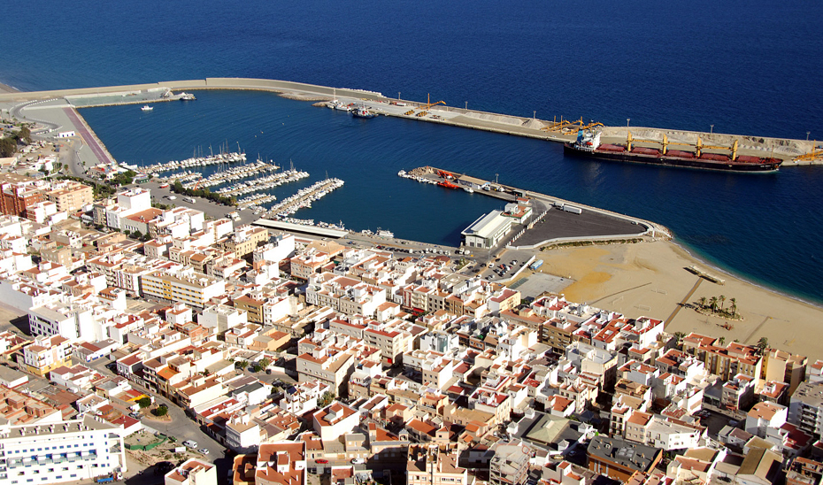 Panorámica del puerto de Garrucha.
