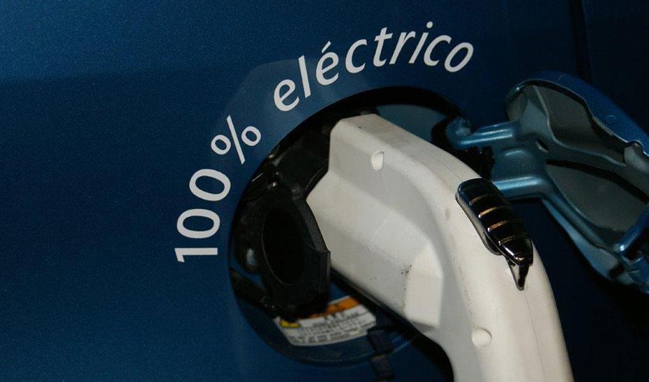 En el campo de la movilidad, se impulsará la instalación de puntos de recarga de vehículos eficientes.