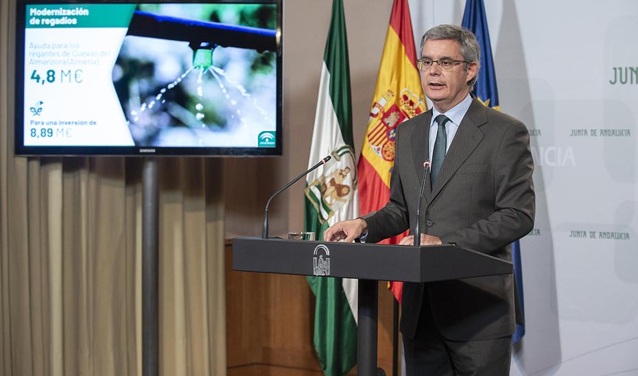 Blanco informa sobre las subvenciones de 4,8 millones para modernizar 1.400 hectáreas de regadío en Cuevas del Almanzora que generarán unos 14.000 jornales anuales