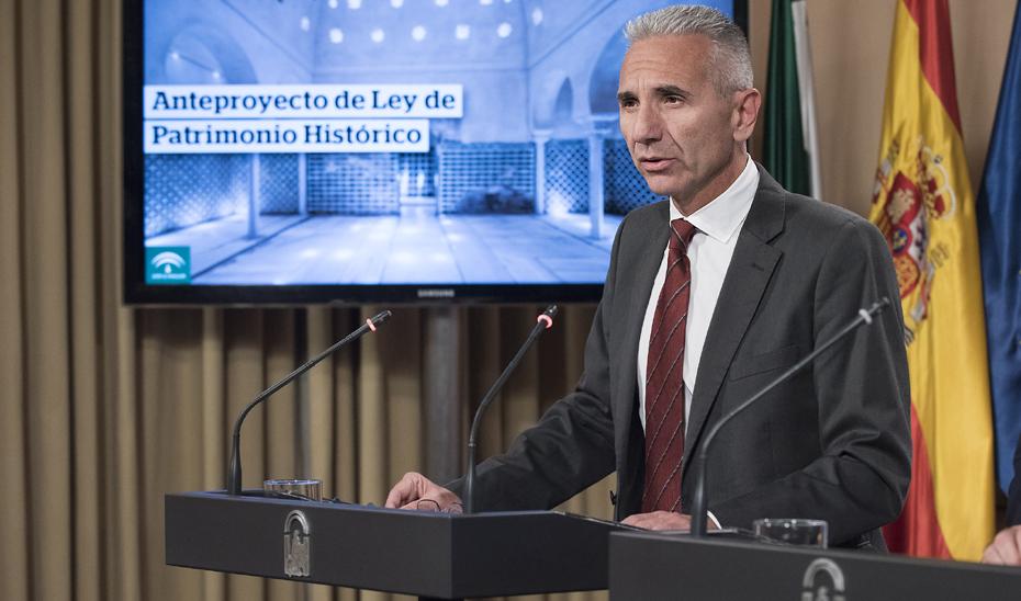 Vázquez explica la modificación de la Ley de Patrimonio Histórico