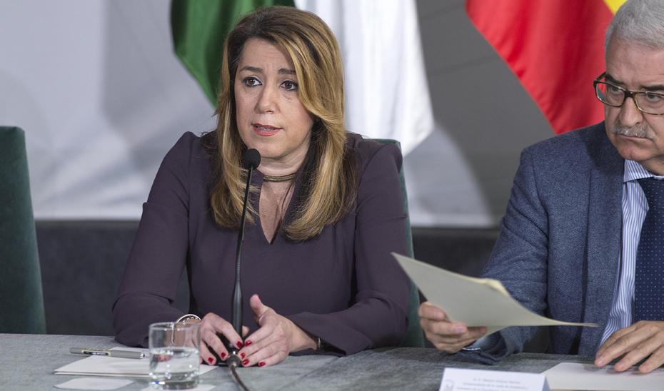 Intervención de Susana Díaz tras la firma con medios de comunicación de un compromiso de buenas prácticas publicitarias