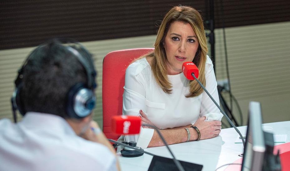 La presidenta de la Junta, Susana Díaz, durante la entrevista en RNE.
