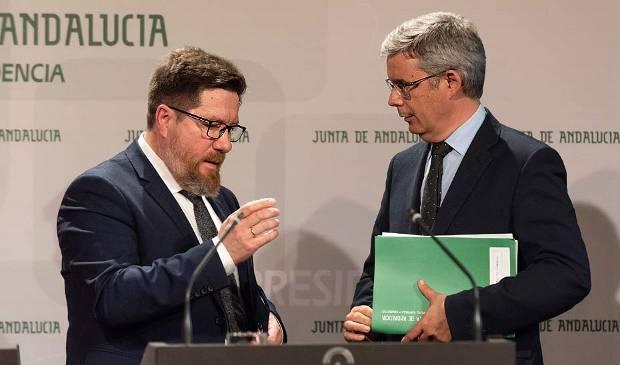 Rodrigo Sánchez Haro y Juan Carlos Blanco durante la comparecencia informativa del Consejo de Gobierno