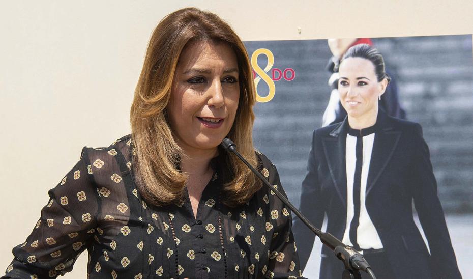 """Díaz valora la rotulación de una calle en Sevilla en homenaje a Carme Chacón, un """"referente y una mujer luchadora"""""""