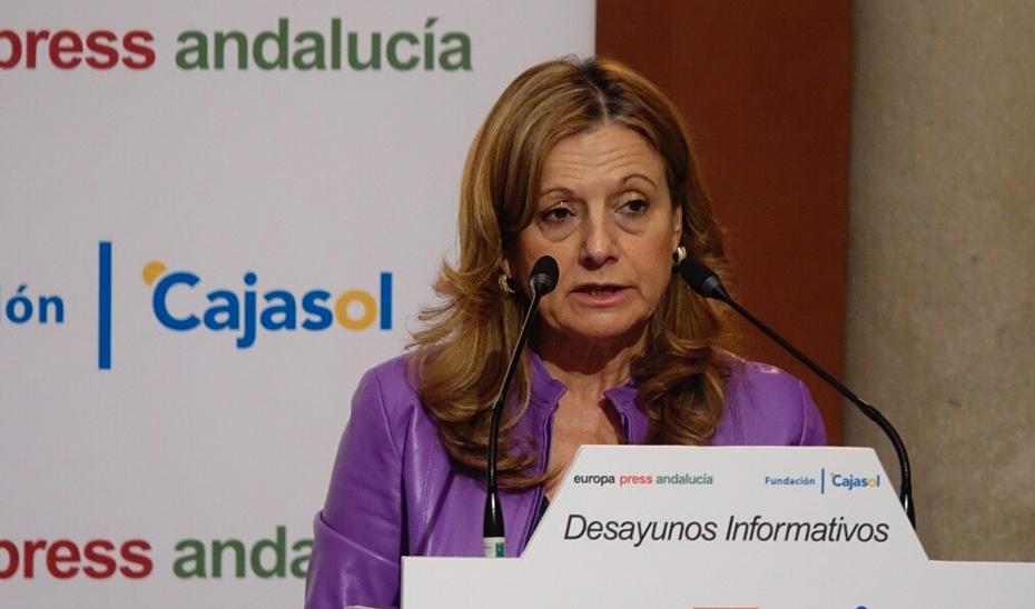 La consejera de Salud, Marina Álvarez, durante su intervención en los desayunos informativos de Europa Press (Foto EP).