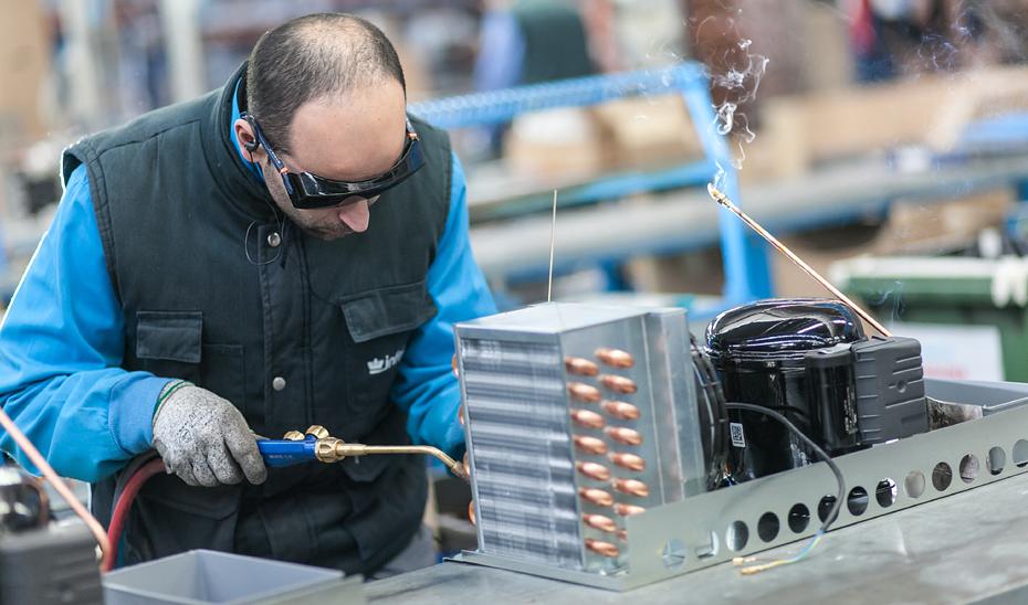 El Programa de fomento del empleo industrial contará con un presupuesto inicial de 308,87 millones de euros para los años 2018 y 2019.