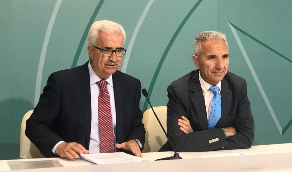 El vicepresidente andaluz y el consejero de Cultura, en Cádiz.
