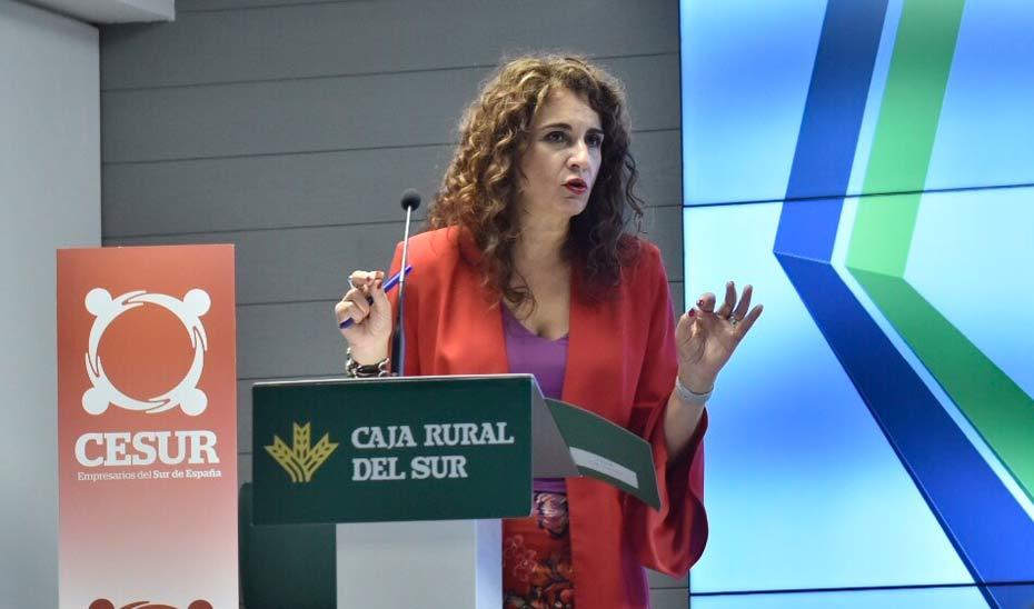 La consejera de Hacienda durante su intervención ante representantes de la Asociación de Empresarios del Sur de España.