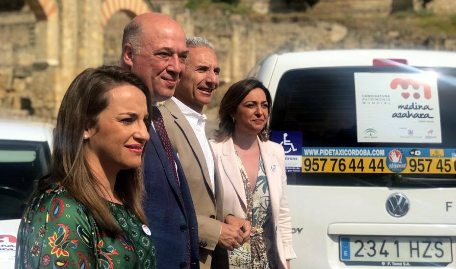 Más de 350 vehículos taxi se han sumado a esta iniciativa permitiendo desplegar por todo el territorio de Córdoba y la provincia la imagen de Medina Azahara.