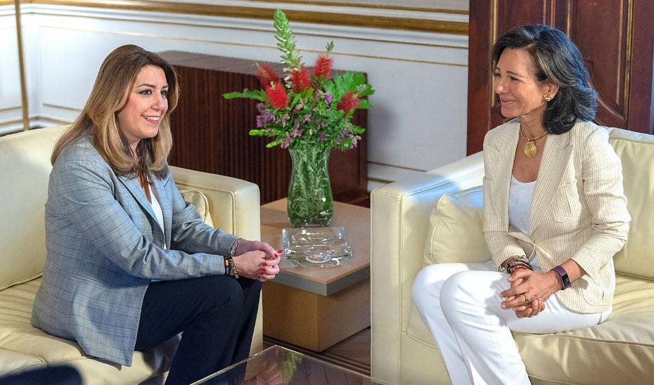 Un momento de la reunión entre Susana Díaz y Ana Botín.