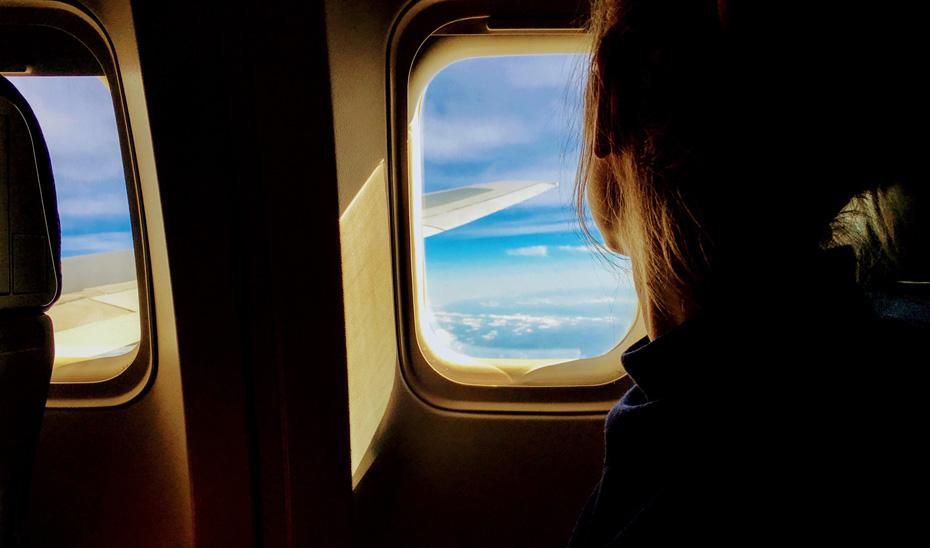 La Junta de Andalucía recomienda comparar las tarifas de compañías aéreas y revisar el clausulado y los billetes emitidos.