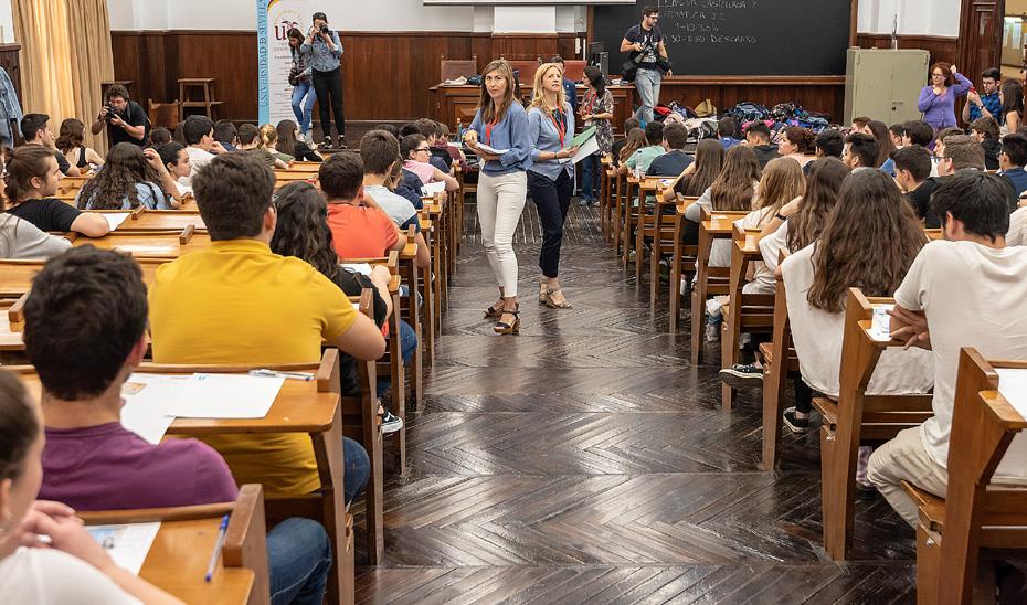Alumnos realizan las pruebas de acceso a la Universidad.
