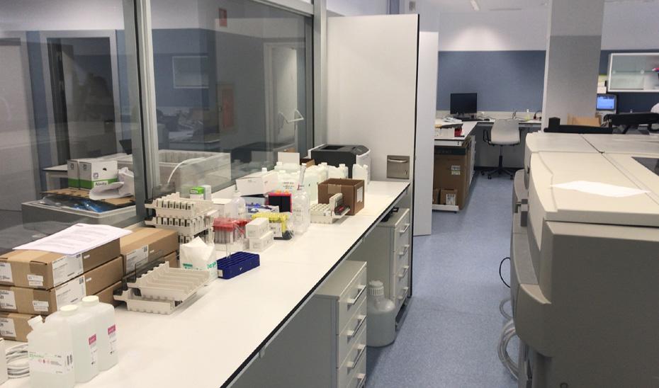 El nuevo Hospital de La Línea incorpora el 5 de junio la actividad de análisis clínicos, unidad de reproducción asistida y extracciones con la apertura de su laboratorio.