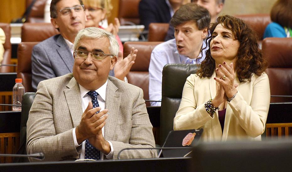 El consejero Antonio Ramírez de Arellano en el Parlamento andaluz.