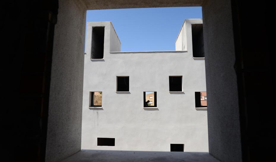 Edificio en construcción del futuro centro de salud Bola de Oro en Granada.