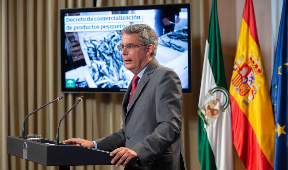 Blanco expone el nuevo decreto de comercialización de productos de la pesca que reforzará la calidad y las garantías de consumo