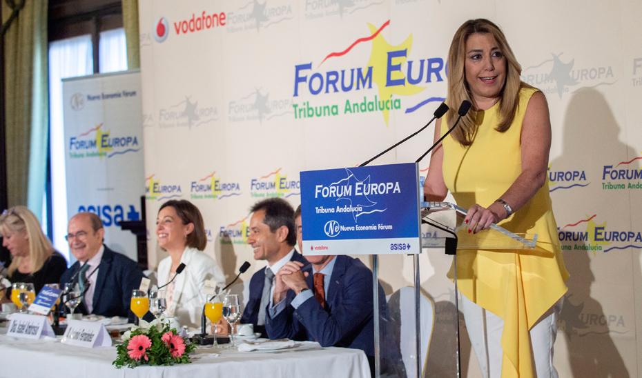 Susana Díaz aboga por revisar la regla de gasto de los ayuntamientos