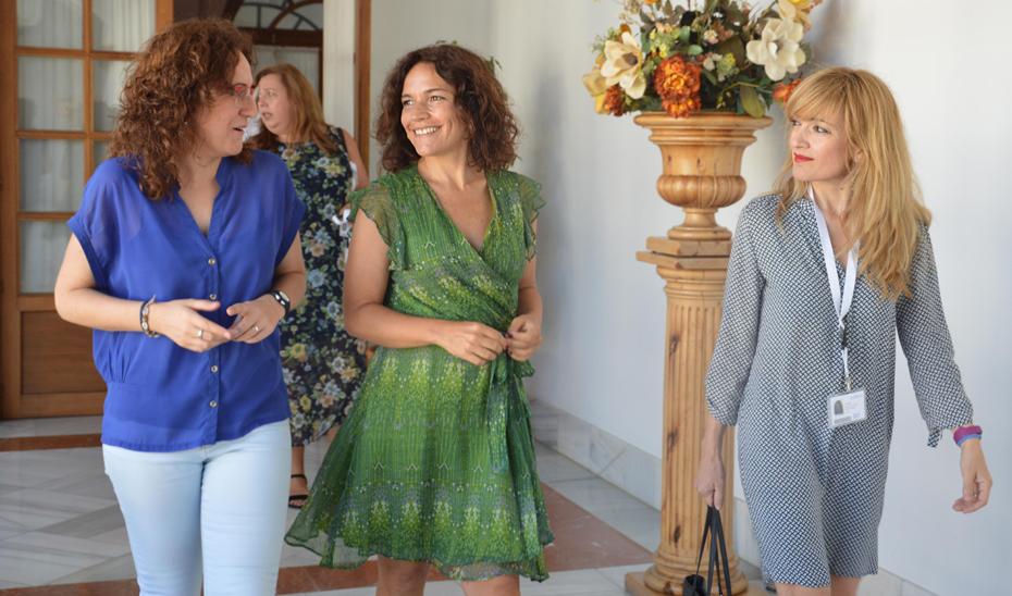 Desde la izquierda, Nuria López, Lina Gálvez y Carmen Castilla.