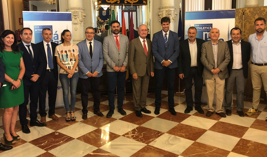 El consejero de Turismo y Deporte, Francisco Javier Fernández, en la presentación del Campeonato del Mundo de Atletismo Máster 2018 en Málaga.