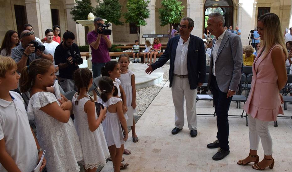 El consejero de Cultura, Miguel Ángel Vázquez, durante la presentación en Málaga del I Ciclo de Conciertos de Cámara \u0027Las Mañanas del Museo de Málaga\u0027, en el Palacio de la Aduana.