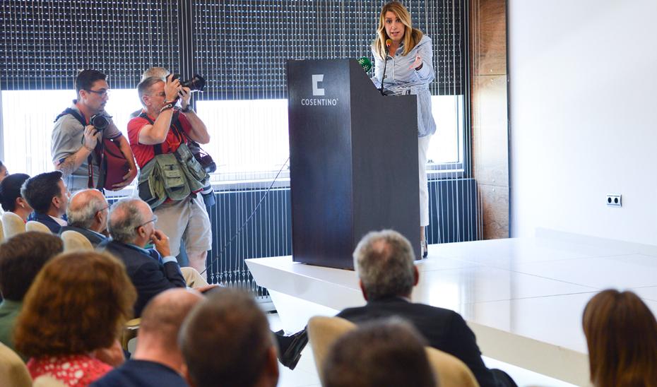 Intervención de la presidenta de la Junta en su visita a las instalaciones de Grupo Cosentino