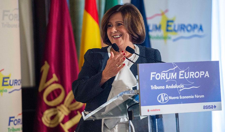 La consejera de Igualdad y Políticas Sociales, María José Sánchez Rubio, durante una conferencia en el Forum Nueva Europa.