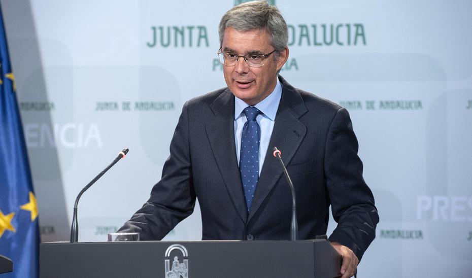 Blanco informa sobre la compra de 68 TAC en los hospitales públicos por 41,8 millones