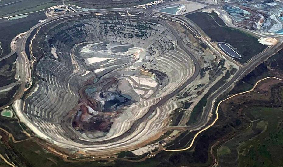 Vista aéra de la mina de Cobre las Cruces (Foto EFE).