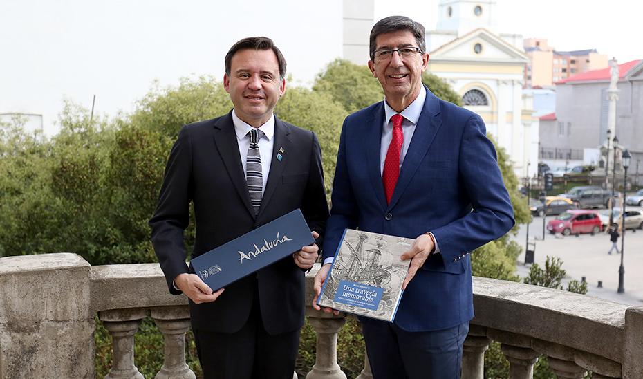 Andalucía promociona su destino en Punta Arenas en la conmemoración de la I Vuelta al Mundo