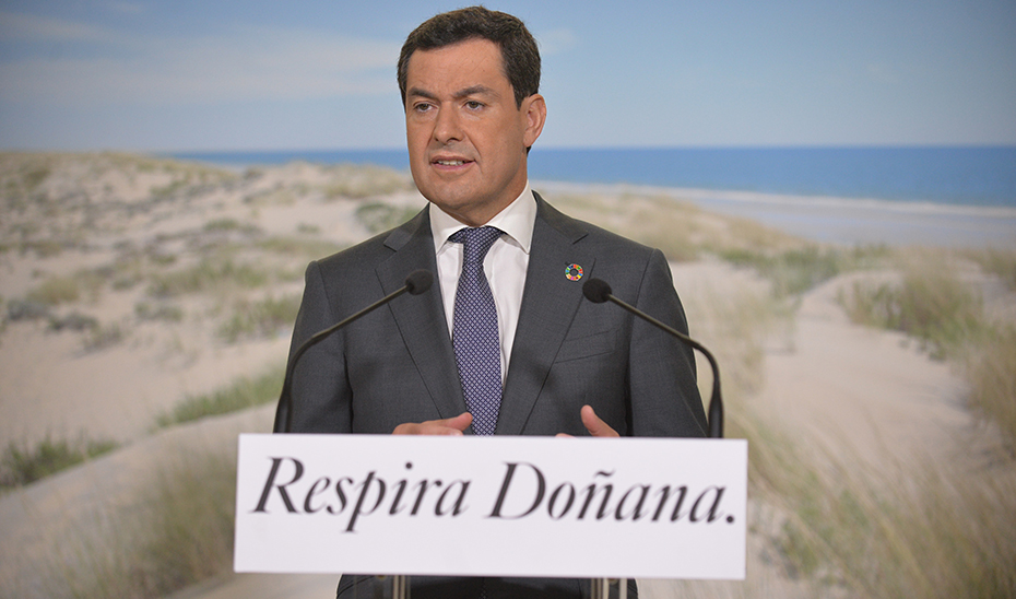 Moreno garantiza el compromiso del Gobierno andaluz con el presente y el futuro de Doñana