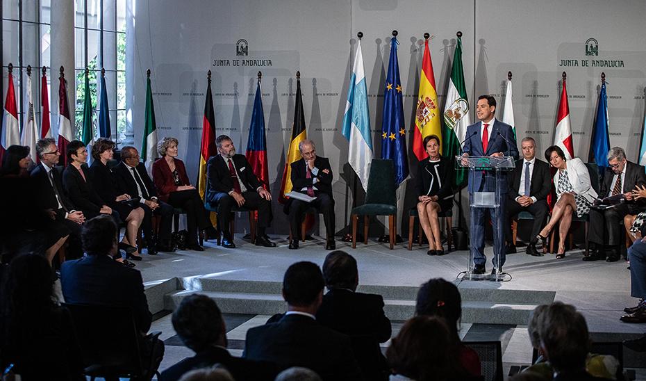 El presidente del Gobierno de Andalucía se reúne en San Telmo con embajadores de la UE en España (vídeo íntegro)