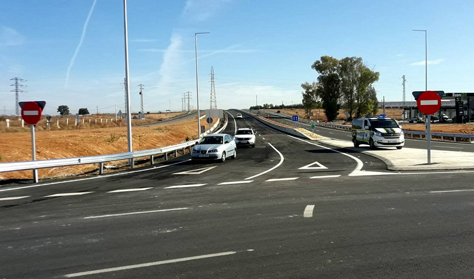 Carretera A-392, entre Alcalá de Guadaíra y Dos Hermanas.