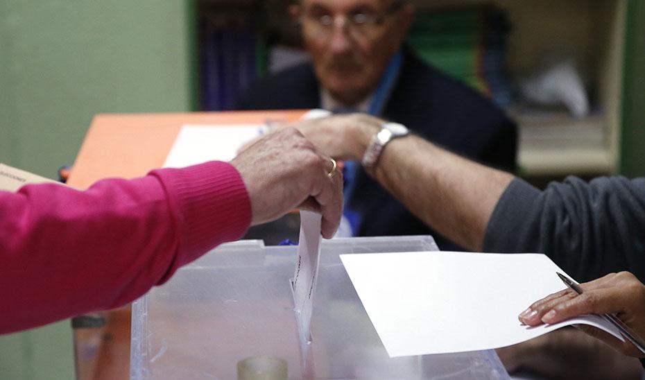 El decreto facilita la participación de los trabajadores en las próximas elecciones generales del 10 de noviembre.