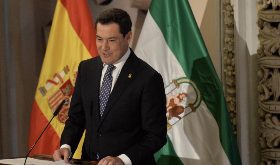 """Moreno muestra el apoyo de Andalucía a la """"impagable"""" labor de la Policía Nacional en Cataluña"""