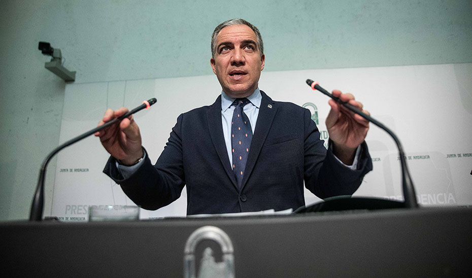 Elías Bendodo informa del plan de choque para desbloquear casi 30.000 becas de Formación para el Empleo