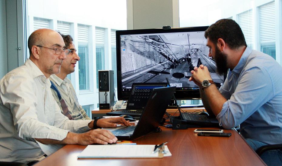 Técnicos andaluces aplicando la tecnología BIM en el anteproyecto de una estación de metro.