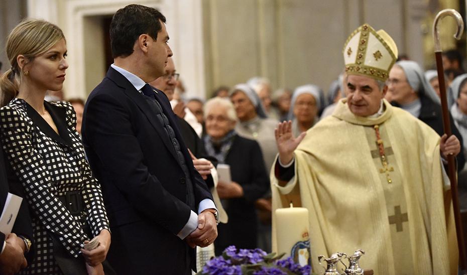 Moreno asiste a la beatificación de la misionera María Emilia Riquelme en la Catedral de Granada