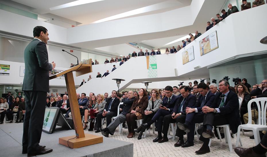 Intervención de Juanma Moreno en la clausura del I Premio Asaja Cádiz-Cristobal Cantos